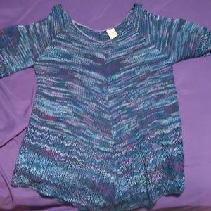 Knit short sleeve cold shoulder sweater